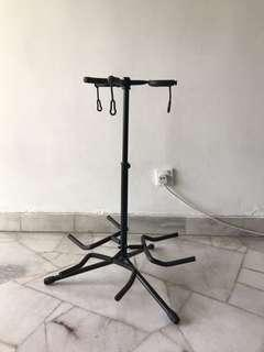 Guitar stand for 3 guitars