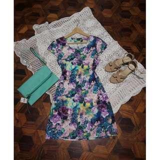 B7s-D77: Floral Dress