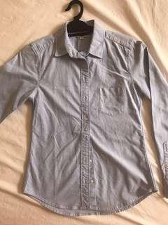 Uniqlo Light Blue Button Shirt Size S