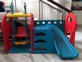 Slide anak Haenim little castle