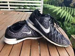Nike Free Tr 5
