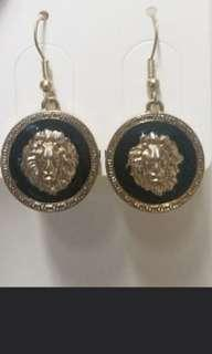 ⚪Lion portrait vintage earrings 獅子頭像復古耳環