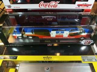 M2 Machines 1969 Dodge L600 Auto Hauler & 1966 Charger Race Car M2 MOPAR DIRECT CONNECTION