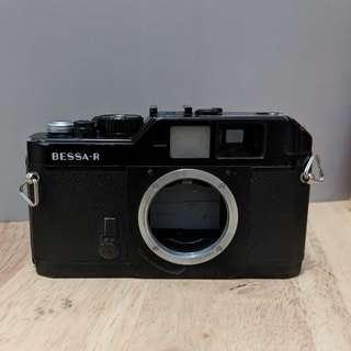 Voigtlander Bessa R not Leica Zeiss Contax Fujifilm