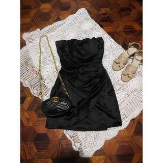 B1-040: Black tube dress