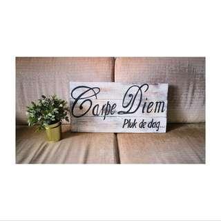🚚 Carpe Diem wooden plank quote decor