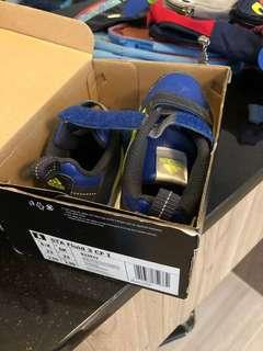 🚚 Toddler shoes