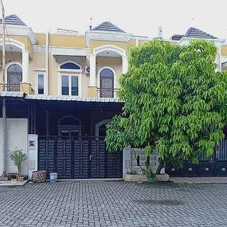 Dijual Rumah di komplek denai avenue