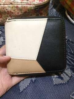 Dompet kecil massilca