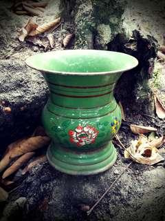 antique spittoon (mini size)