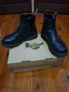 DMs Black boots