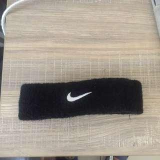 🚚 Nike黑色頭帶
