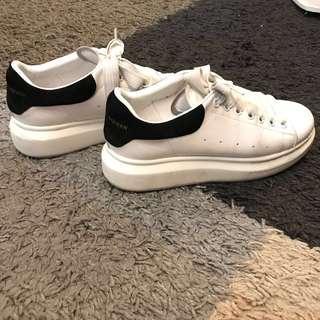 Repriced 👍🏽Alexander Mcqueen sneakers