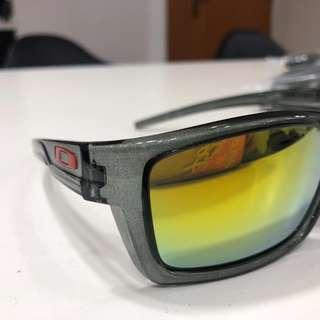 d8b0783895e54 oakley sunglasses authentic used