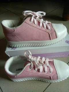 Sepatu santai new