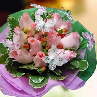 🚚 [FREE DELIVERY] 12 Peach Roses with Wired Butterfly Hand-bouquet (022-PE)
