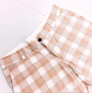 Men's Checkered Short Pants.