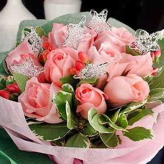🚚 [FREE DELIVERY] 12 Peach Roses with Wired Star Hand-bouquet (020-PE)