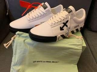 Off White VULC low sneaker / EUR 42