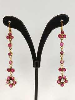 Vintage 9k gold dangling earrings