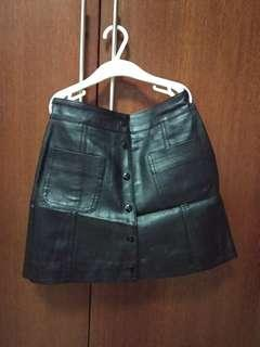 H&M Black Synthetic Leather skirt (button)