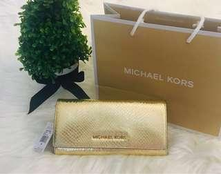 Brand New Michael Kors Wallet 💛 - Repriced