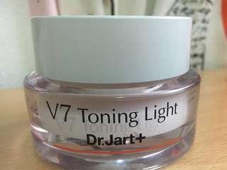 Dr Jart + V7 Toning Light