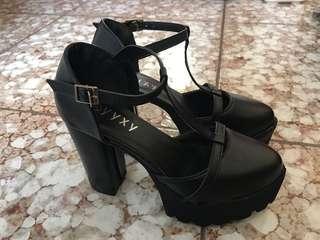 黑色性感T字粗跟微尖頭高跟鞋