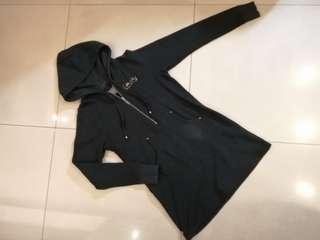 🚚 Levi's 長版含口袋修身帽踢 #半價衣服市集