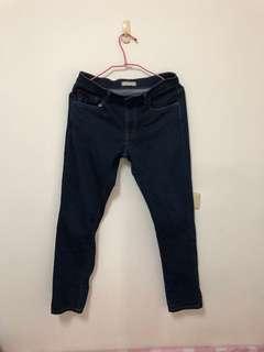 🚚 UNIQLO 修身牛仔褲 29腰(深藍)