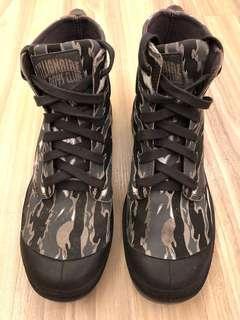 Palladium Camo boots
