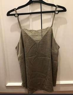 HNM SATIN TOP ARMY GREEN