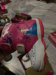 Sepatu bekas anak Disney ukuran 24