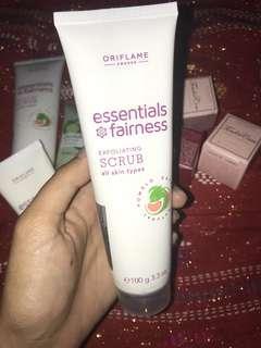 Essentials Fairness Exfoliating Scrub