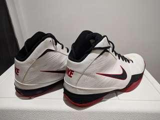 Nike Air Max - Basketball
