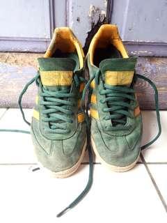 Sepatu adidas spezial original