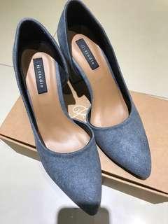fmshoes 轉賣 內側挖空細絨高跟鞋