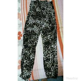 ❤H & M Leopard Printed Pants