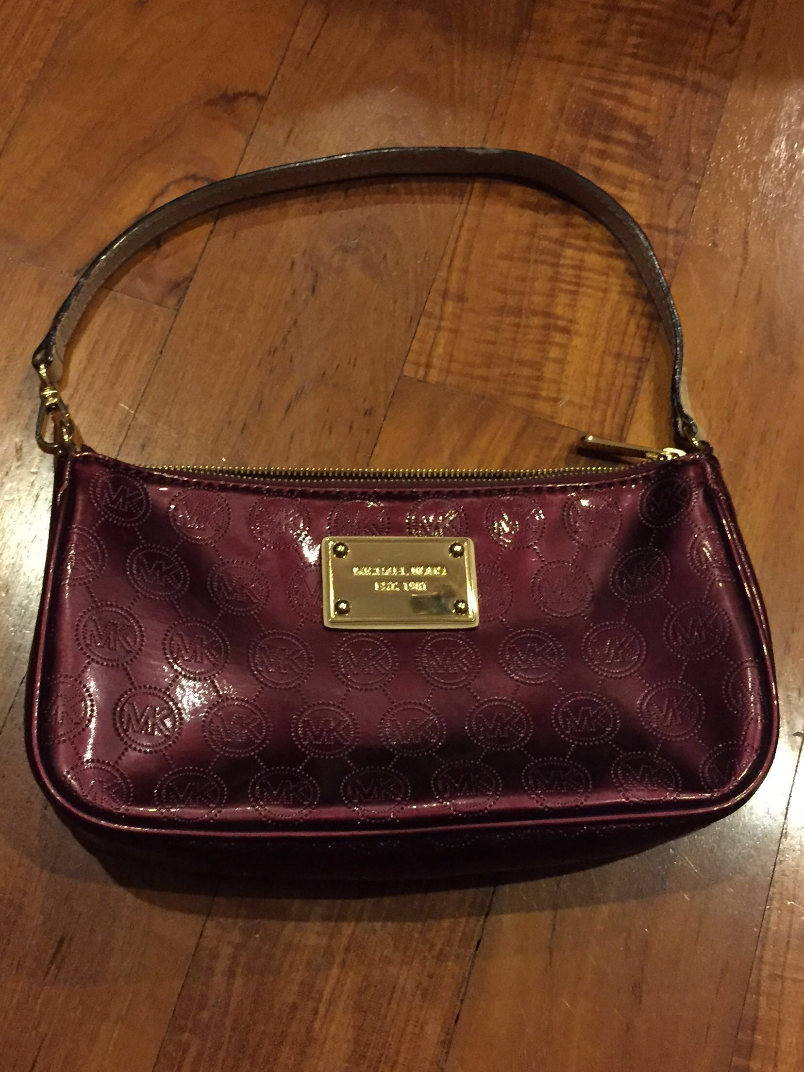 43f401043f5f Michael Kors Bordeaux Red Mini Clutch Bag, Luxury, Bags & Wallets ...