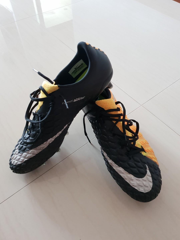 buy online ed82f 092fd Nike Hypervenom Phantom 3, Sports, Sports & Games Equipment ...