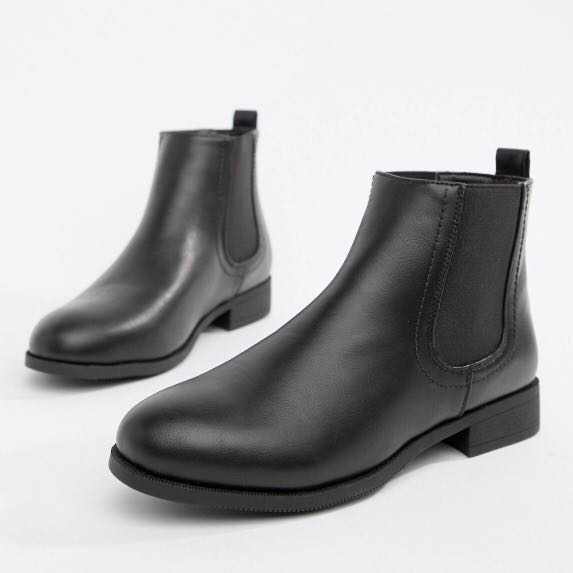 17612ab107e59 Park lane flat Chelsea boots, Women's Fashion, Shoes, Boots on Carousell