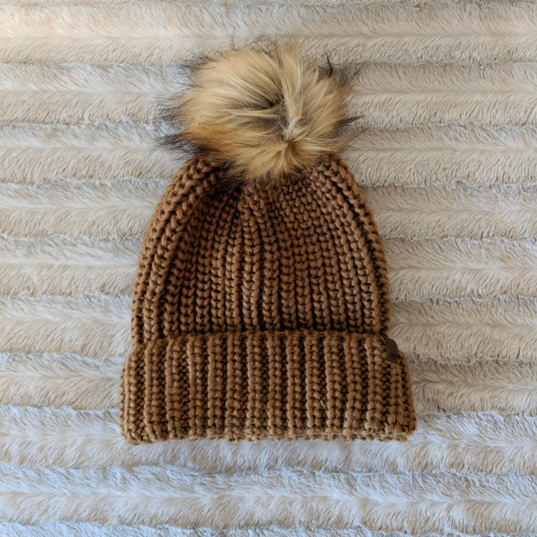 Roots Canada Camel Knitted Hat (O/S)