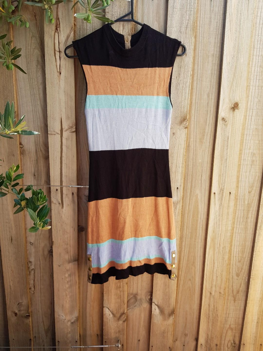 Shona Joy knit sleevless multi coloured dress. Size 8.