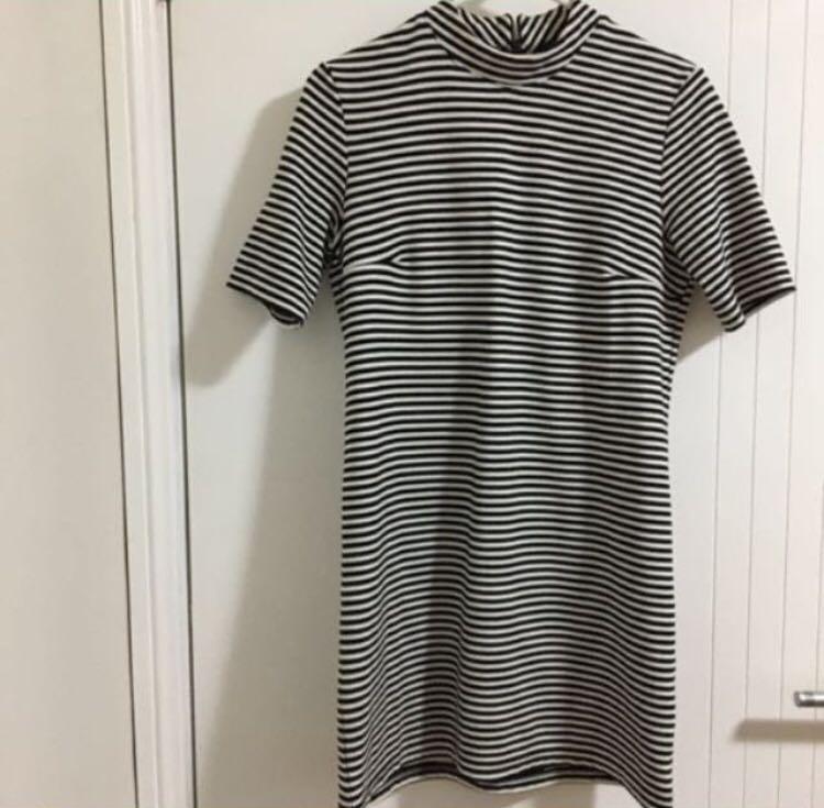 Stripe black and white mock neck T-shirt dress