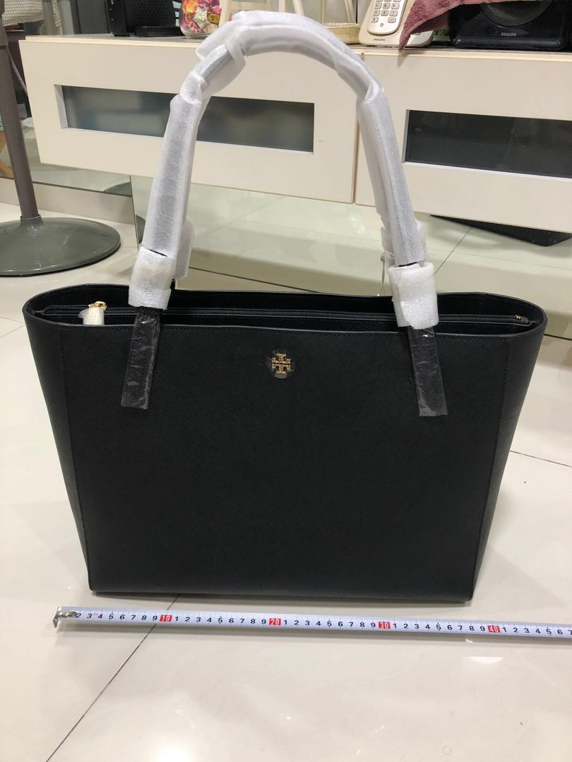 f7c0d600d240 Tory Burch black Saffiano leather tote