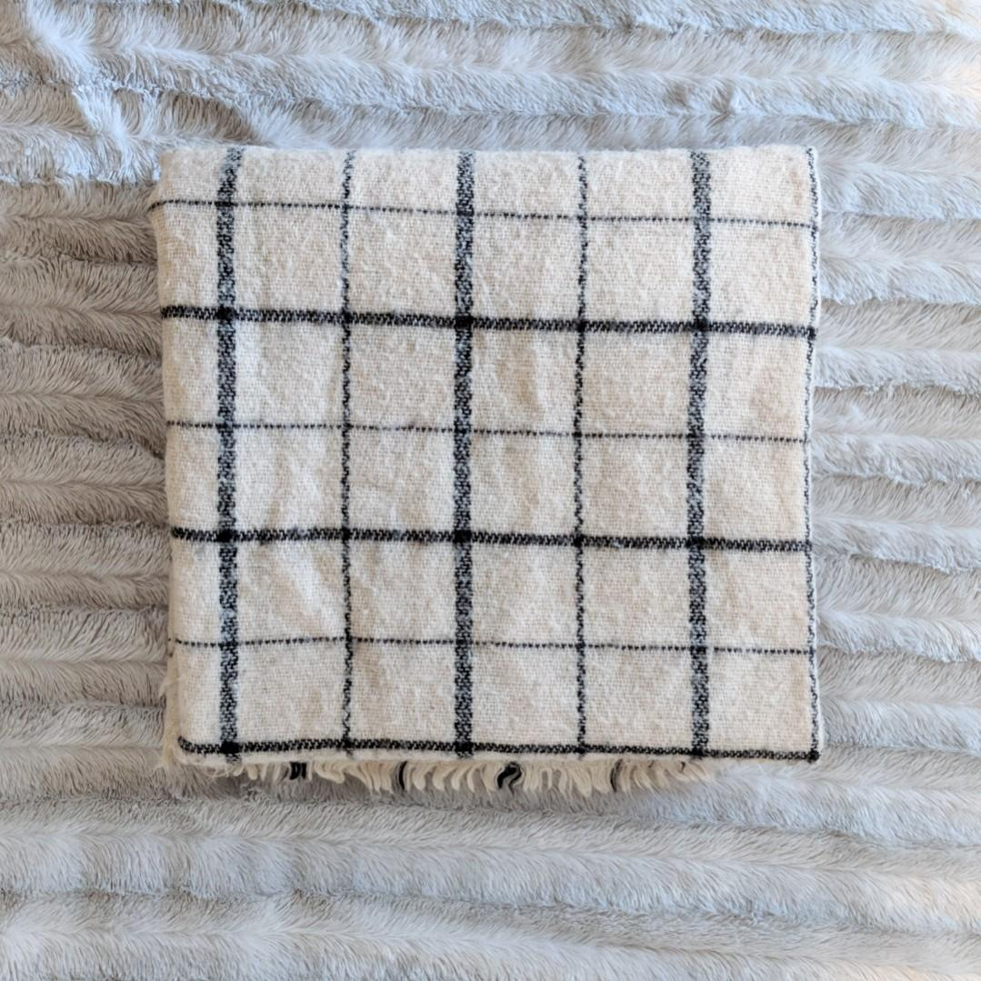 "Zara Cream and Navy Blue Grid-Pattern Square Blanket Scarf (54""x54"")"