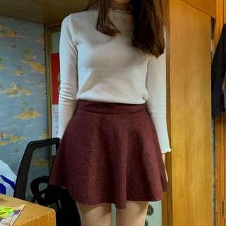 Burgundy skirt 😻