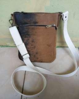 Tas selempang kulit asli (handmade)