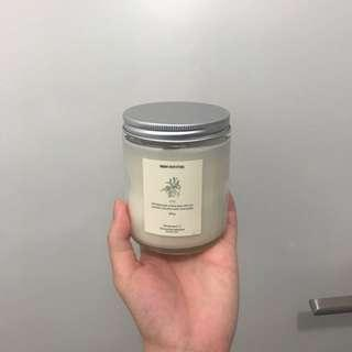 'Lily' scented candle from URBAN OUTFITTERS