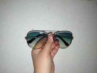 Kacamata pantai / kacamata wanita
